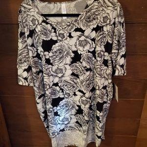 Lularoe Black and White Floral Irma Tunic L
